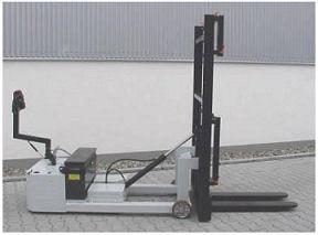 электроштабелеры с навесными приспособлениями